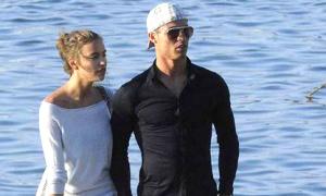 C.Ronaldo tuyên bố kết hôn