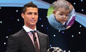 Mẹ của 'tiểu Ronaldo' nằng nặc đòi lại con