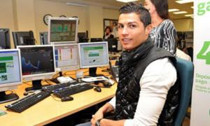 Ronaldo gây 'náo động' sàn chứng khoán