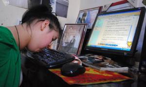 Teen xuất bản tiểu thuyết bằng… môi