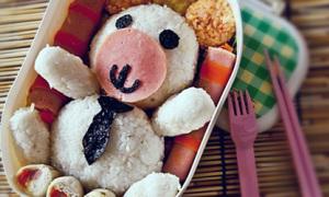 Bento gấu trắng nghỉ ngơi nhìn yêu ngay!