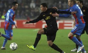 Messi lập hatrick, Barca vượt qua vòng bảng