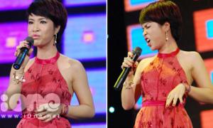 Uyên Linh biểu cảm hài hước lúc 'phê' hát