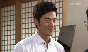 'Sạn' to đùng trong 'Haeundae Lovers'