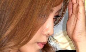 Hyo Min (T-ara) khóc vì bị hỏi về scandal 'bắt nạt'