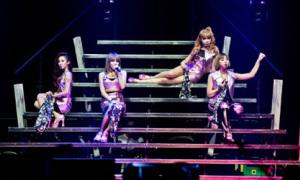 Hơn 7.000 fan Mỹ 'phát cuồng' vì 2NE1