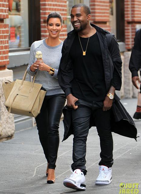 kim-kardashian-kanye-west-romantic-strol