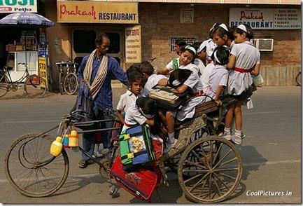 school-bus-in-india-funnythumb1-909691-1