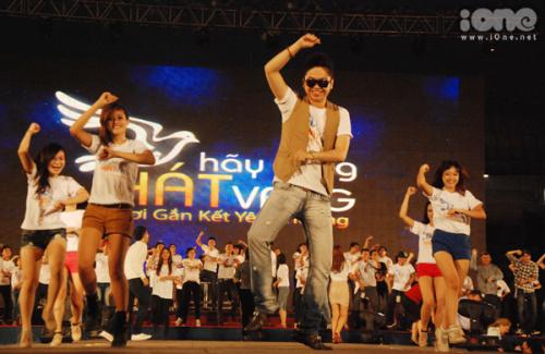 gangnam-style-hay-cung-hat-vang-770096-1