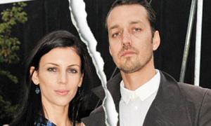 Đạo diễn ngoại tình với Kristen Stewart bị vợ bỏ