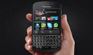 BlackBerry Q10 đã hỗ trợ WhatsApp và Skype