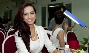 Thúy Hạnh chạy show làm giám khảo