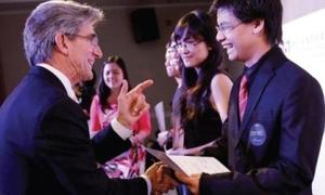 Sinh viên khởi nghiệp cùng giáo sư nổi tiếng Mỹ