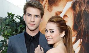 Miley Cyrus bấu víu Liam sau khi bố mẹ ly hôn
