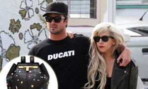 Bản tin: Lady Gaga sắm ba lô hơn 1 tỉ tặng bạn trai