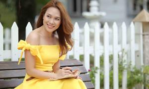 Váy nơ trễ vai 'khuynh đảo' showbiz Việt