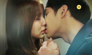 10 nụ hôn nóng bỏng trong phim Hàn