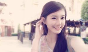 Hot girl Malaysia 17 tuổi xinh đẹp, hát hay