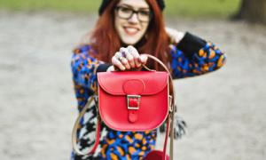Brit Stitch - chiếc túi tâm điểm của năm 2014