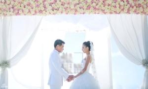 Vợ chồng Đồng Lệ Á 'vét' tiền tổ chức đám cưới