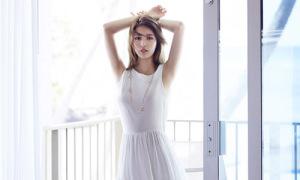 Suzy đẹp tinh khôi trong nắng hè