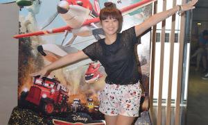 Hot or not: Hoàng Yến diện shorts kiểu quần ngủ đi xem phim