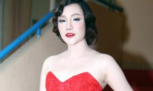 Hot or not: Hồ Quỳnh Hương trang điểm kiểu quý bà