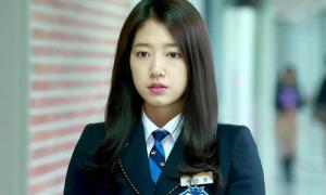 5 cách trang điểm môi hồng lung linh như phim Hàn