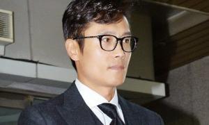 Lee Byung Hun gây phẫn nộ khi coi ngoại tình là trò đùa