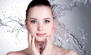 Mùa đông nên rửa mặt với nước lạnh hay ấm?