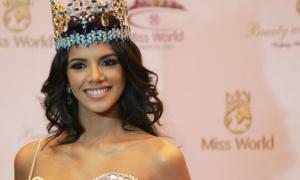 Miss World 2011 sang Việt Nam chấm thi chung kết 'Hoa khôi Áo dài'