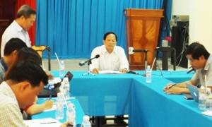 Đình chỉ hiệu trưởng trường nữ sinh bị đánh hội đồng ở Trà Vinh