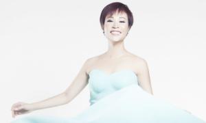 Uyên Linh xúc động vì được nghệ sĩ gạo cội Khánh Ly mời hát