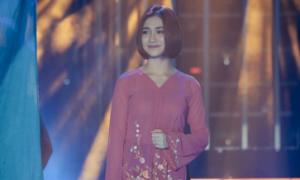 Hòa Minzy bối rối vì được Hoài Linh khuyên đổi nghệ danh