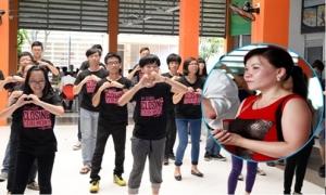 Teen FPT nhảy flashmob bày tỏ tình yêu với cha mẹ