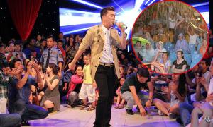 Hơn 3.000 khán giả đội mưa, tràn lên sân khấu xem show Mr Đàm