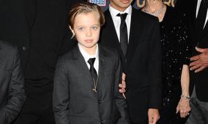 Con gái nhà Jolie - Pitt càng lớn càng nam tính