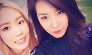SNSD bật khóc vì album solo của Tae Yeon