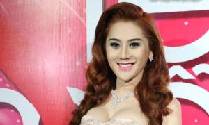 Lâm Chi Khanh mặt V-line xinh đẹp, Trang Pháp diện váy hở bạo