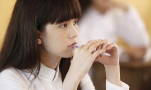 Ngọc Trinh: 'Tôi khóc sưng mắt khi xem phim về cuộc đời mình'
