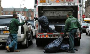 Làm công nhân vệ sinh ở Mỹ còn khó hơn đỗ ĐH Harvard