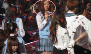 Nhóm I.O.I đắm đuối liếc trộm Krystal trên sân khấu