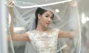 Mạc Hồng Quân chi mạnh sắm 4 bộ váy cưới cho Kỳ Hân