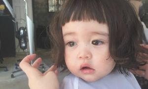 Cô bé Nhật Bản khóc vì không muốn cắt tóc 'đốn tim' dân mạng