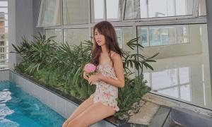Sao style 3/7: Hoà Minzy tết tóc như trẻ con, Quỳnh Anh Shyn diện đồ bơi vintage