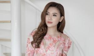 Ngọc Duyên chọn đồ dự show thời trang đầu tiên sau đăng quang
