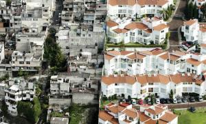 Hình ảnh phơi bày khoảng cách giàu nghèo trên thế giới