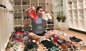 Chân dài 9x Việt có tủ giày hàng trăm đôi, đi cả đời không hết