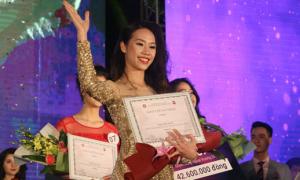 Nữ sinh 19 tuổi giành vương miện Hoa khôi ĐH Ngoại Thương