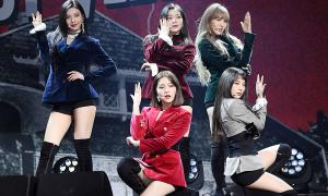 Red Velvet luôn sợ hớ hênh vì stylist có sở thích 'cắt váy'